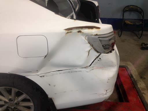 Фото повреждений кузова Toyota
