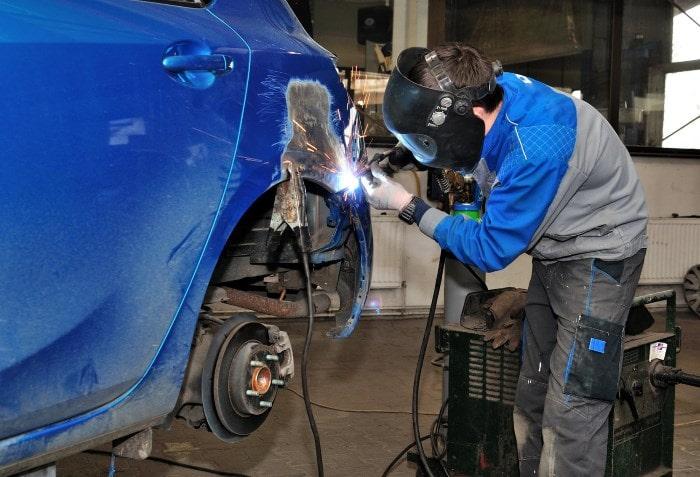 Фото процесса кузовного ремонта в «АвтосервисПрофи» в Твери